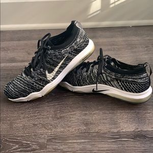 Women's Nike zoom training shoe size 8.5